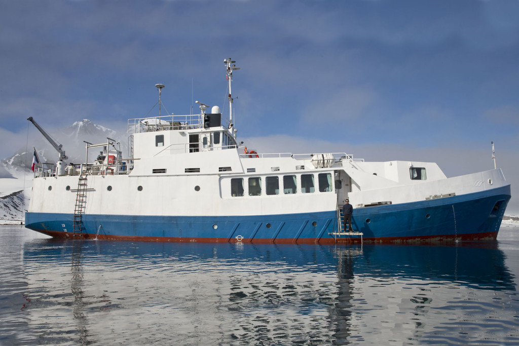 Svaldbard ship photo by Cheesemans' Ecology Safaris